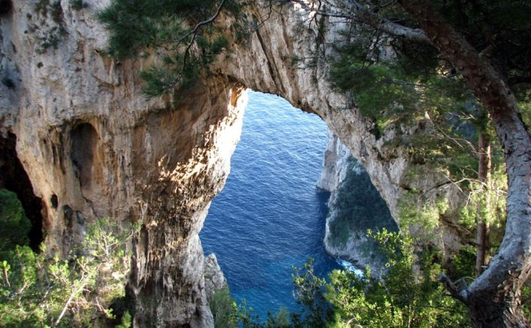 Brava Italia! Naples - Amalfi Coast - Capri Main Image